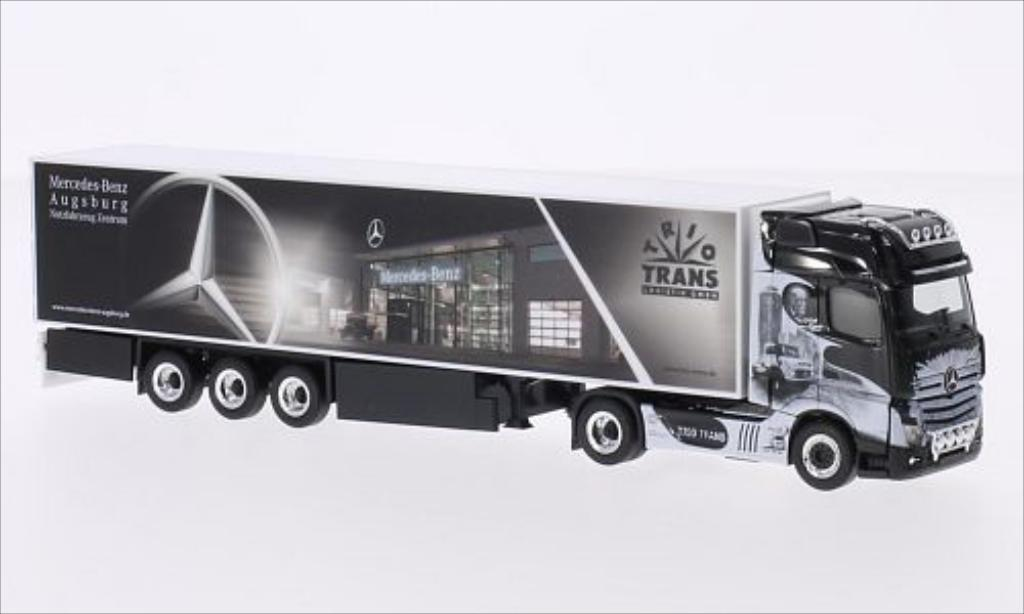 Mercedes Actros 1/87 Herpa Gigaspace Trio-Trans miniature