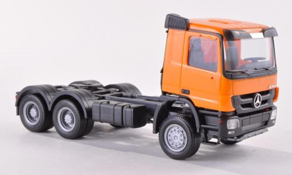 Mercedes Actros 1/87 Herpa M 08 Allrad-Zugmaschine orange miniature