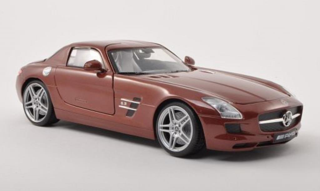 Mercedes SLS 1/18 Motormax AMG (C197) marron miniature