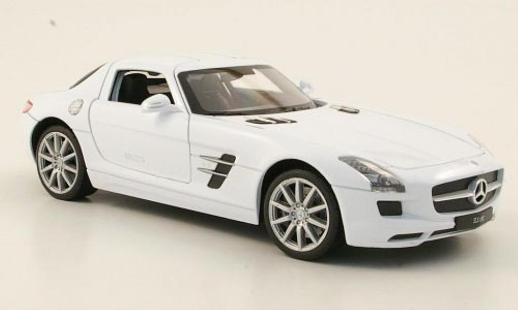 Mercedes SLS 1/24 Welly AMG (C197) blanche miniature