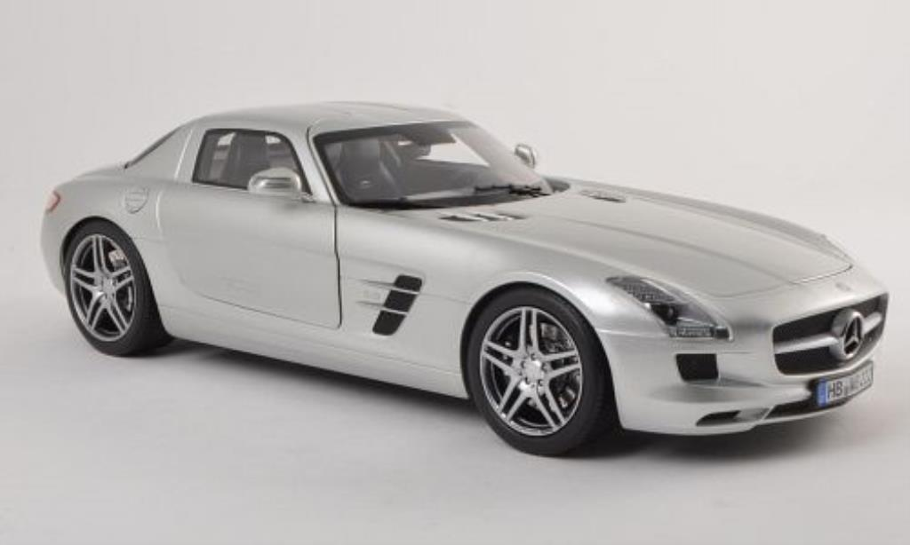 Mercedes SLS 1/18 Norev AMG Coupe (C197) gray 2010 diecast