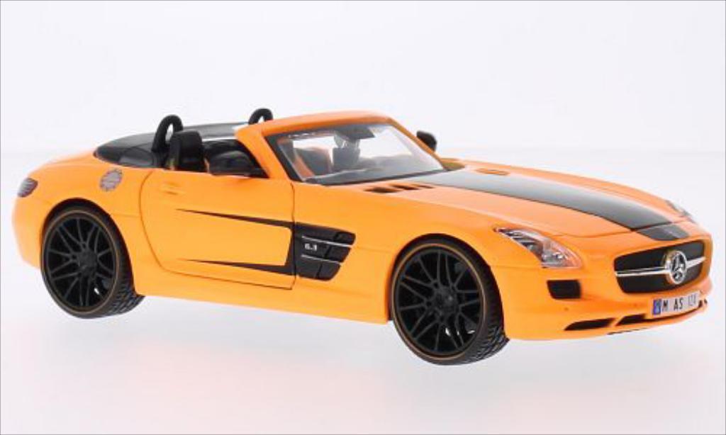 Mercedes SLS 1/24 Maisto AMG Roadster orange/black diecast