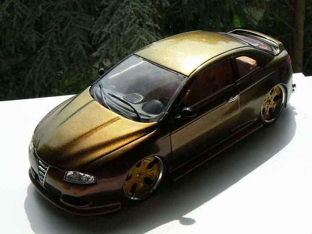 Alfa Romeo GT 1/18 Welly peinture cameleon jantes 18 pouces diecast