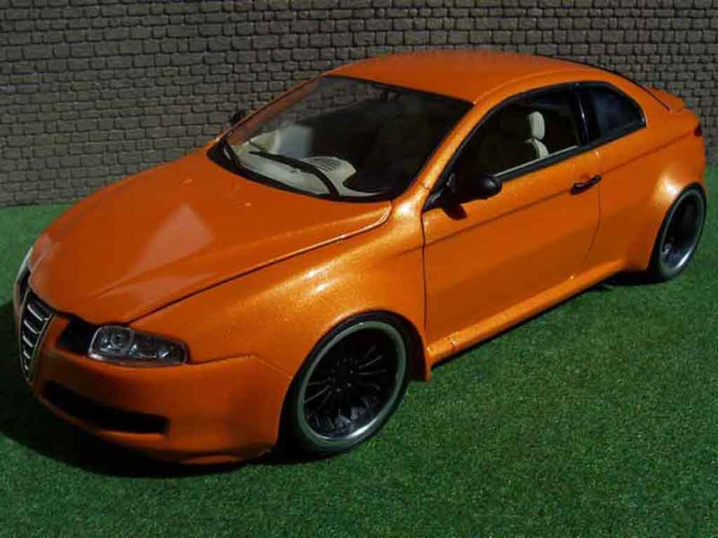 Alfa Romeo GT 1/18 Welly kit large orange mecanique mtk18 diecast