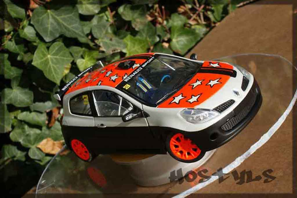 Renault Clio 3 RS 1/18 Solido cup rallye miniature