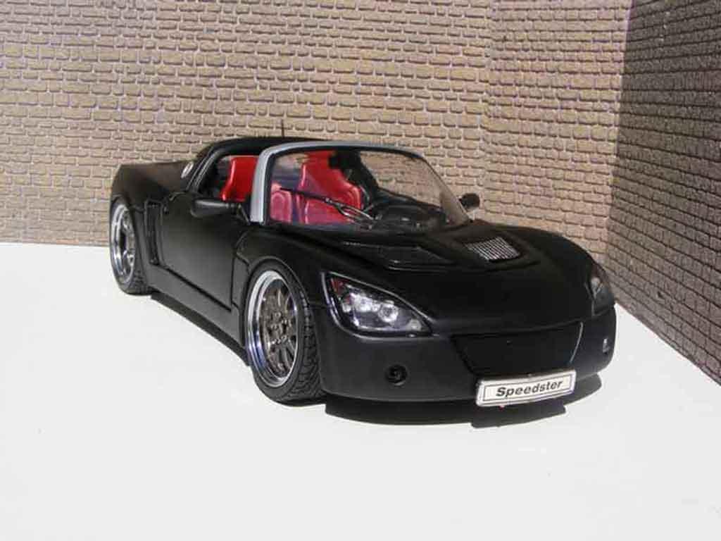 Opel Speedster 1/18 Welly noir blackhawk miniature