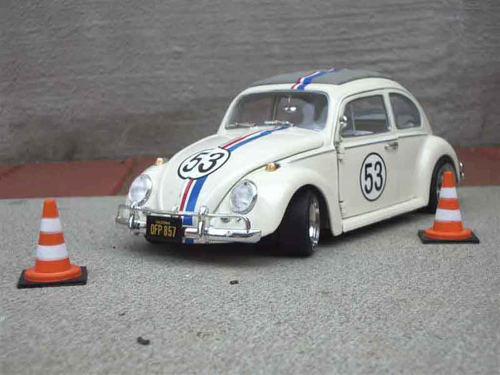 Volkswagen Kafer Herbie 1/18 Burago coccinelle miniature