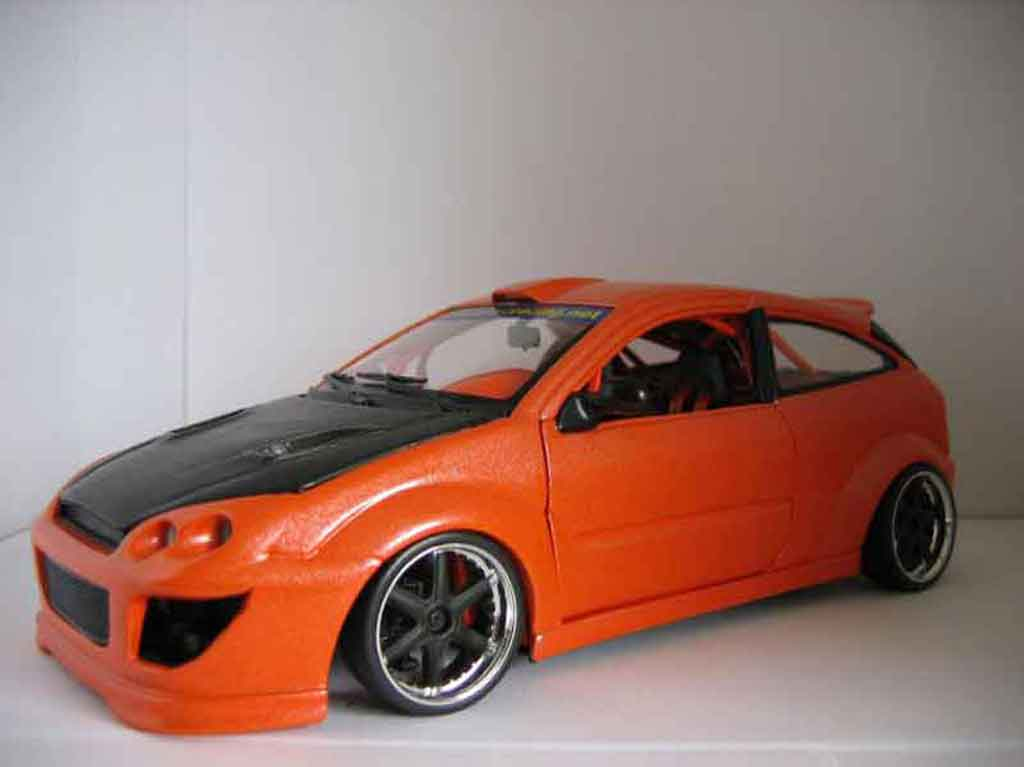 Ford Focus RS 1/18 Hot Wheels tuning diecast model cars