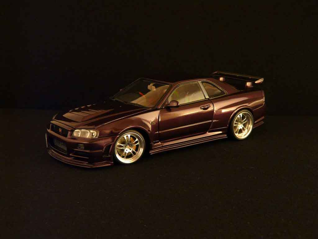 Nissan Skyline R34 1/18 Autoart z-purple miniature