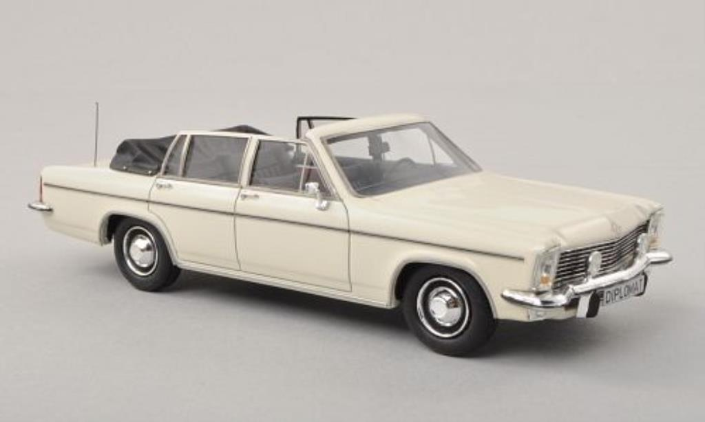 Opel Diplomat 1/43 Matrix B 5.4 Fissore Cabriolet blanche miniature