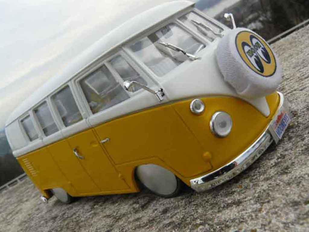 Volkswagen Combi 1/18 Solido split moon modellautos