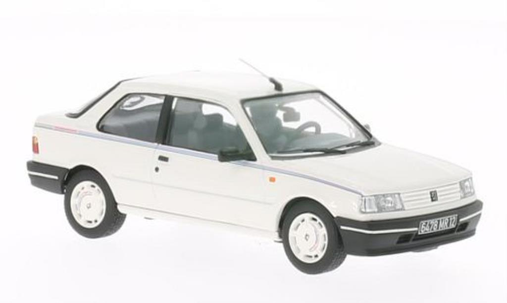 Peugeot 309 Chorus 1/43 Vanguards blanche LHD miniature