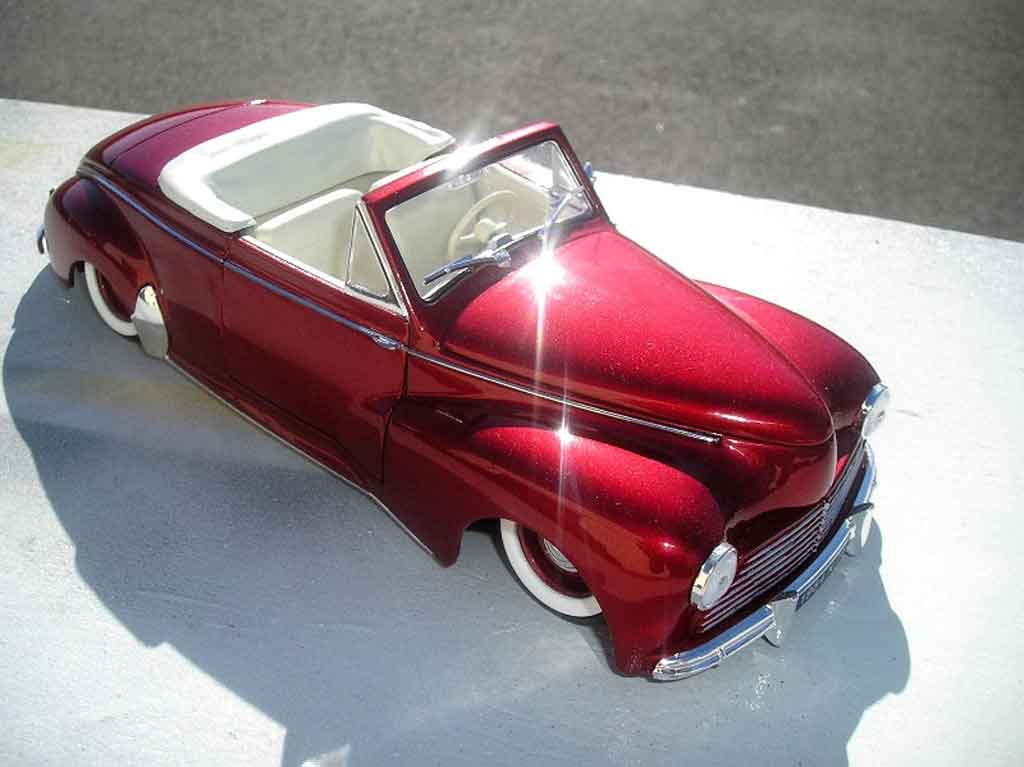 Peugeot 203 cabriolet 1/18 Solido 1954 old shcool miniature