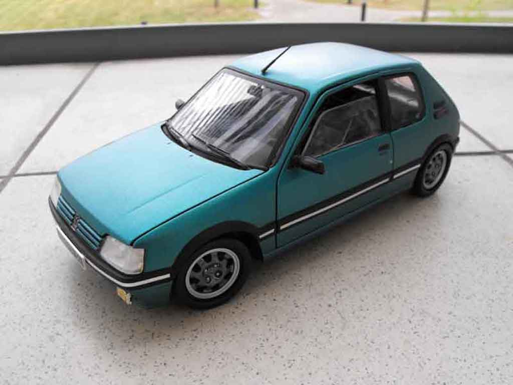 Peugeot 205 GTI 1/18 Solido Griffe rabaissee diecast