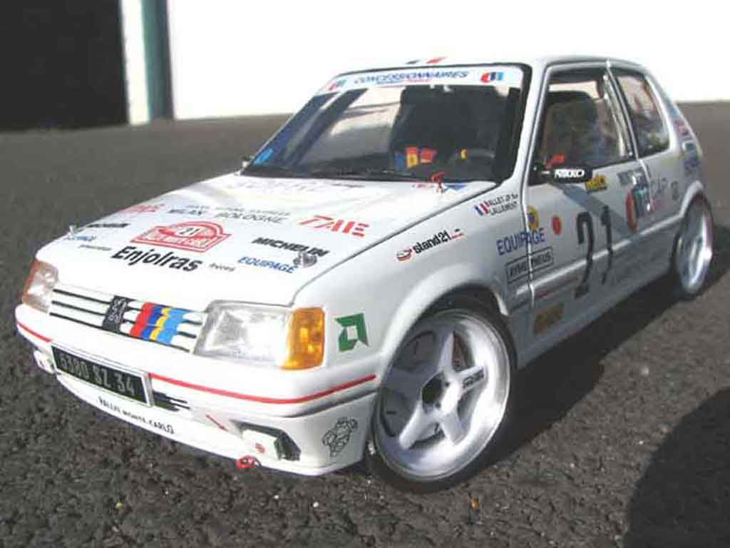 Peugeot 205 Rallye 1/18 Solido siglee pts diecast