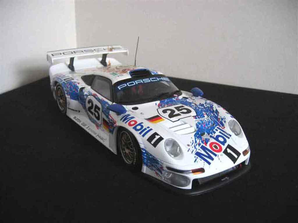 Porsche 993 GT1 1/18 Ut Models GT1 le mans 96 #25 mobil 1 miniature