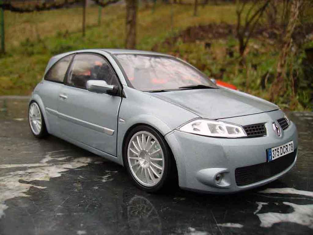 Renault Megane Sport 1/18 Burago rs grise miniature