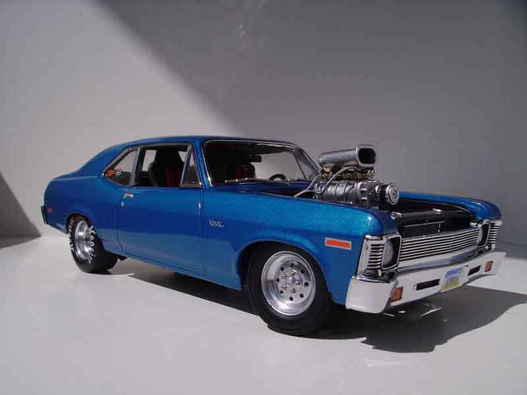 Chevrolet Nova 1972 1/18 GMP drag miniature