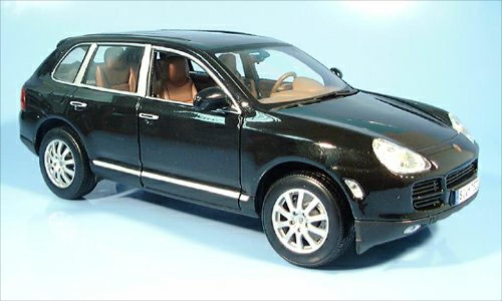 Porsche Cayenne 1/18 Maisto V6 metallic-noire 2004 miniature