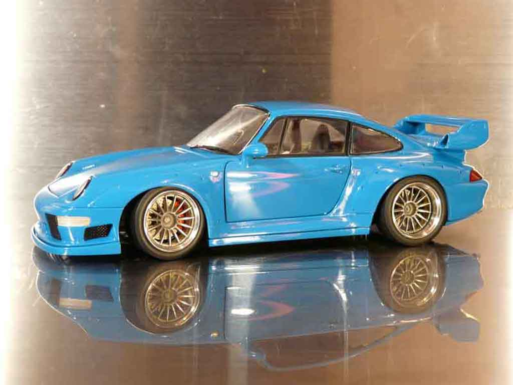 Porsche 993 GT2 1/18 Ut Models street project miniature