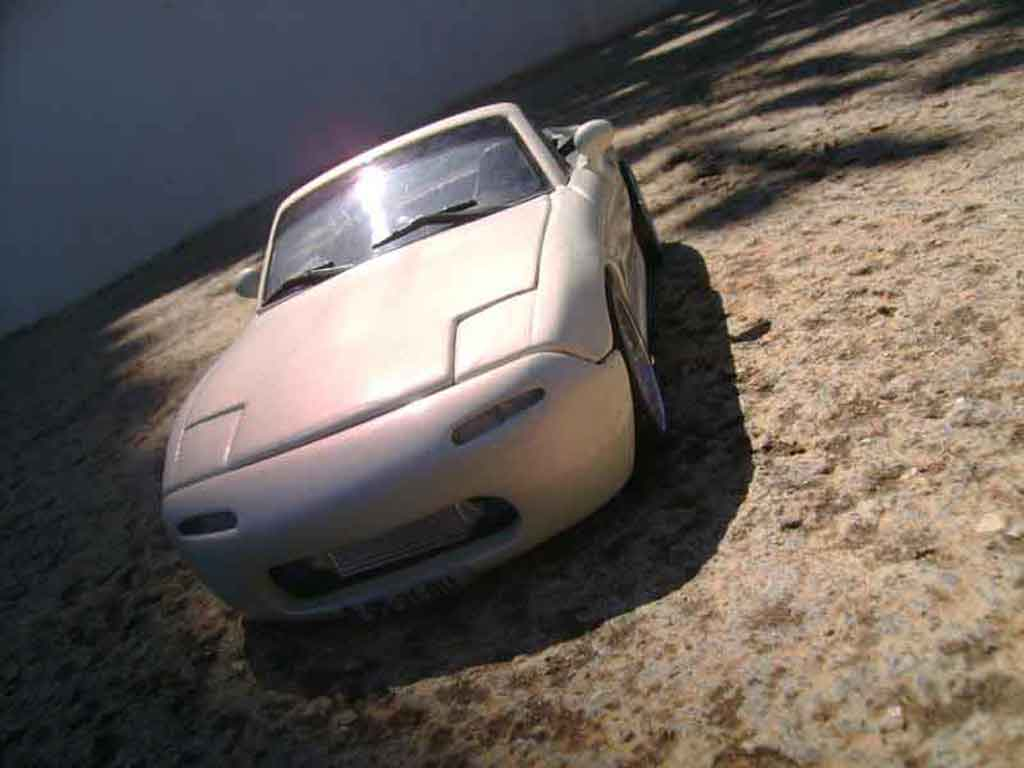 Mazda MX5 1993 1/18 Kyosho tuning