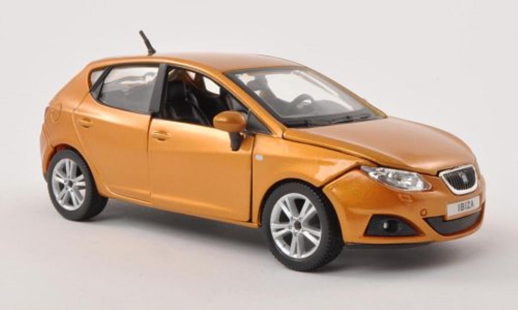 Seat Ibiza 1/24 Burago (6J) marron 5-Turer miniature