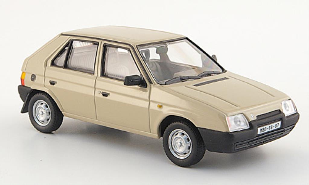 Skoda Favorit 1/43 Abrex 136 L beige 1987 miniature