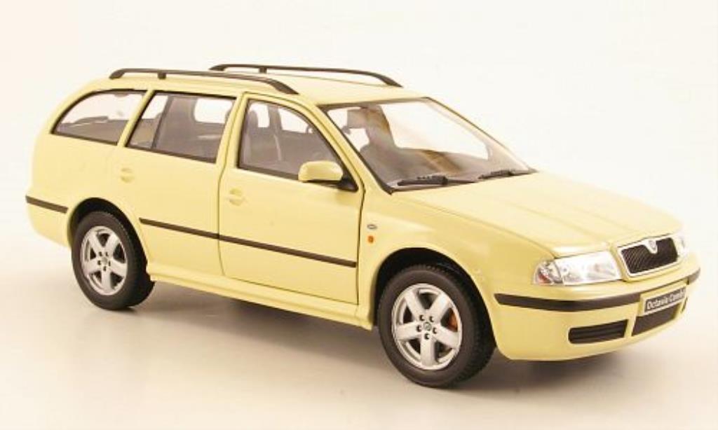 Skoda Octavia 1/24 Abrex Tour Combi beige miniature