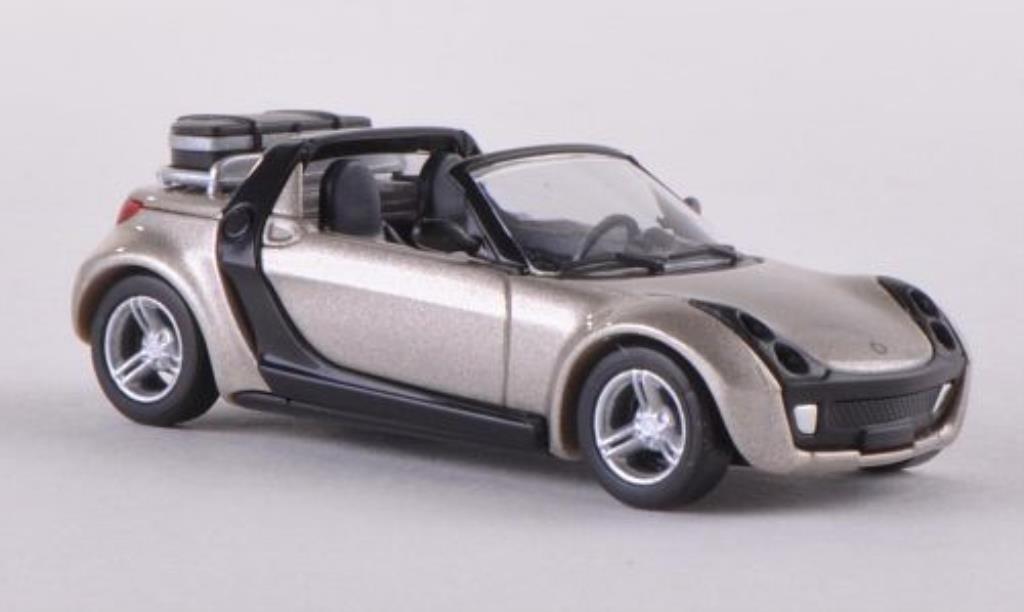 Smart Roadster 1/87 Busch Traveller mit Koffer beige