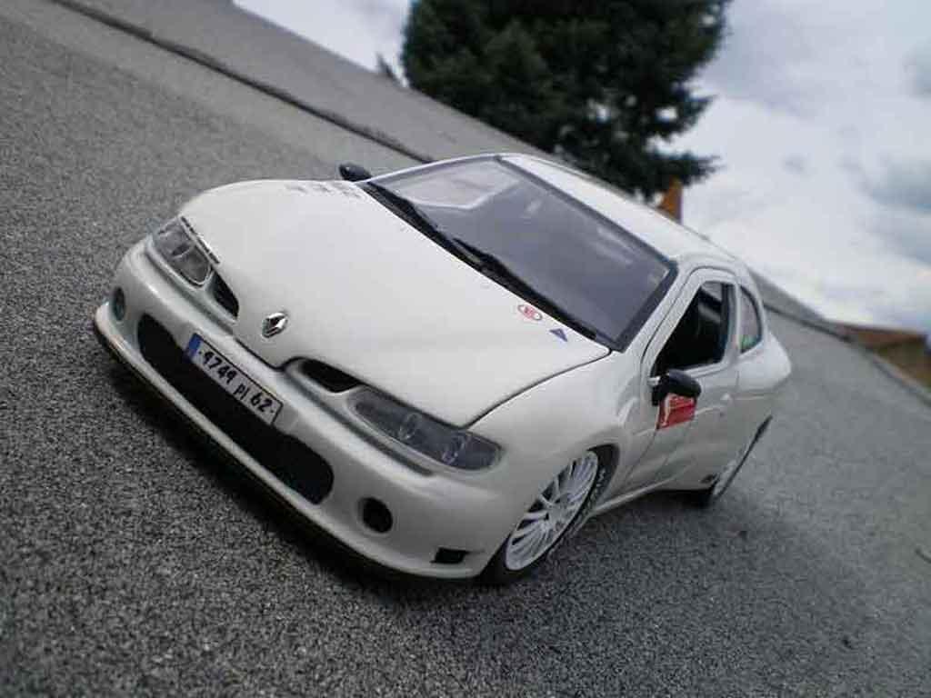 Renault Megane 1/18 Anson Maxi tuning white