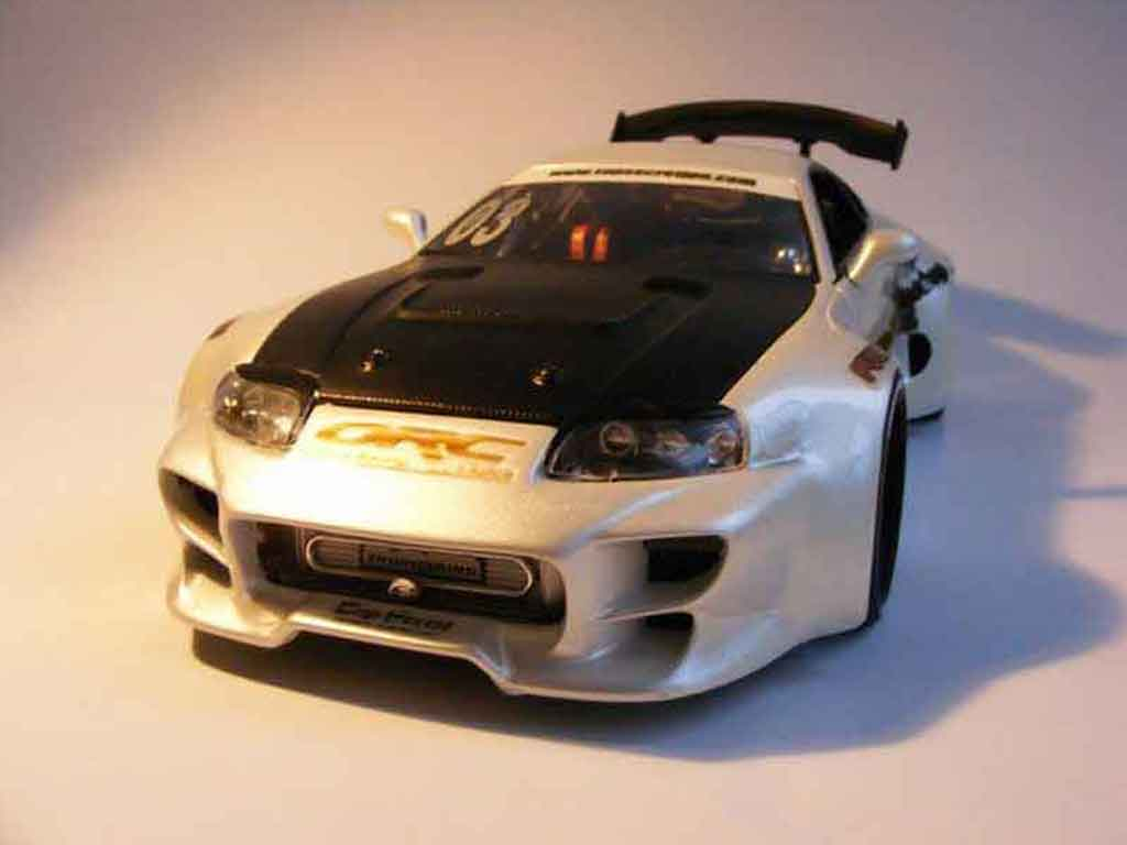 Toyota Supra 1/18 Jada Toys top secret kit large miniatura