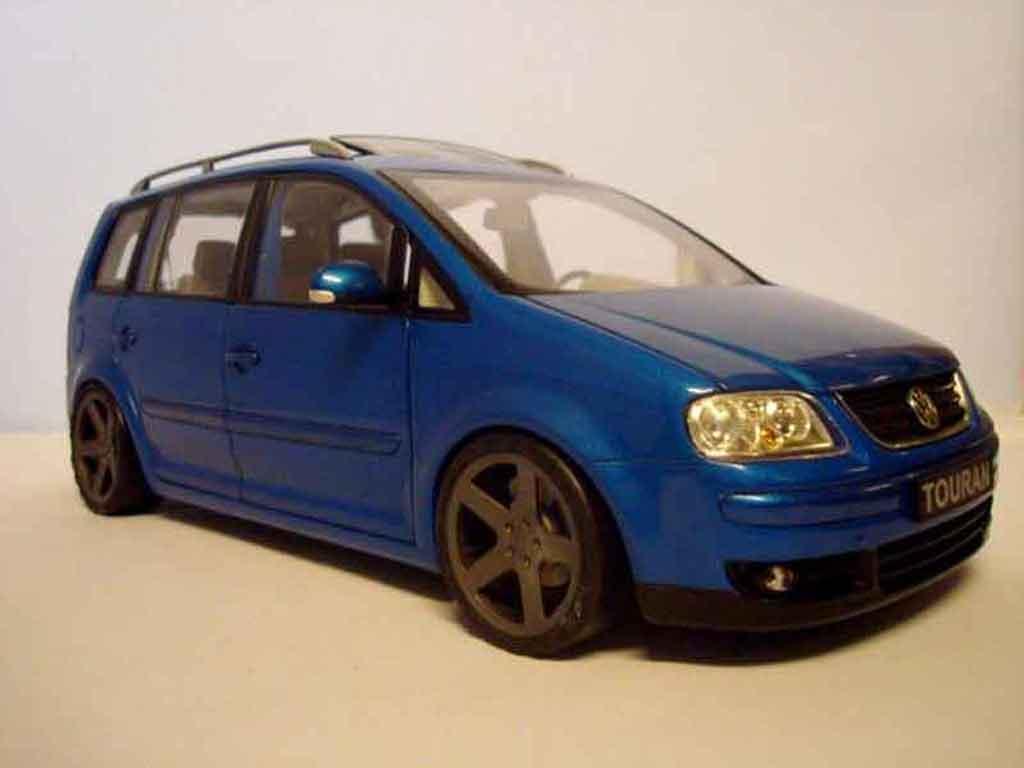 Volkswagen Touran 1/18 Shanghai Volkswagen bleu jantes noir  diecast