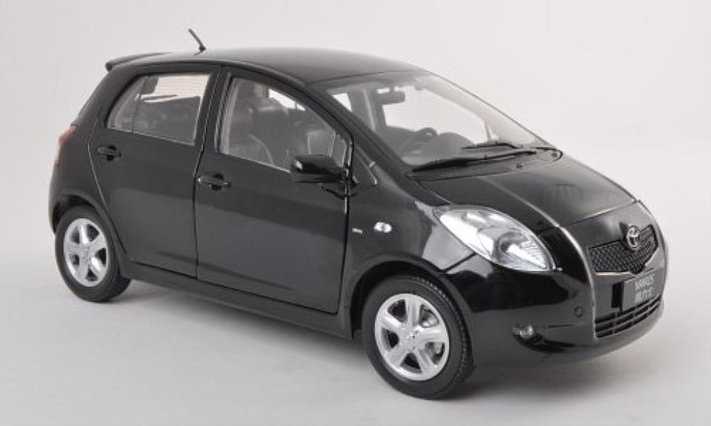 Toyota Yaris 1/18 Paudi black 2008 diecast model cars