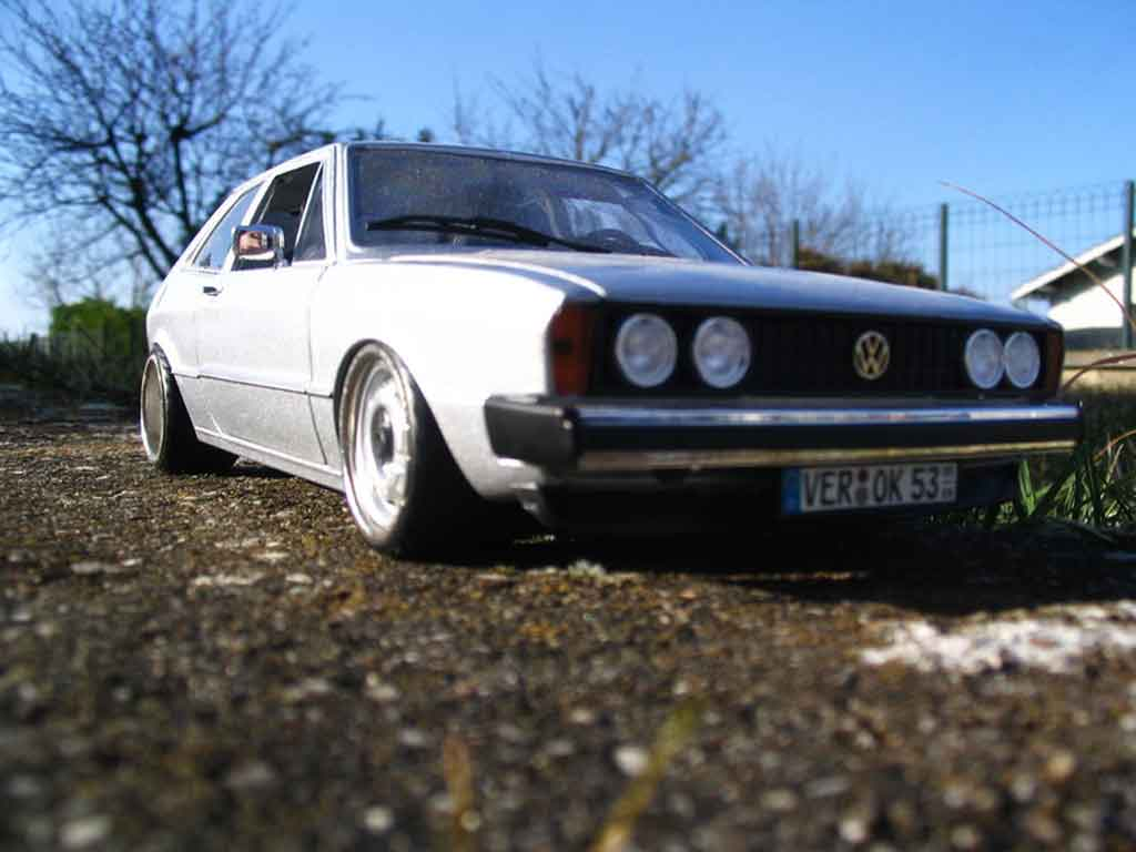 Volkswagen Scirocco GTI 1/18 Revell jantes bords larges a deport diecast