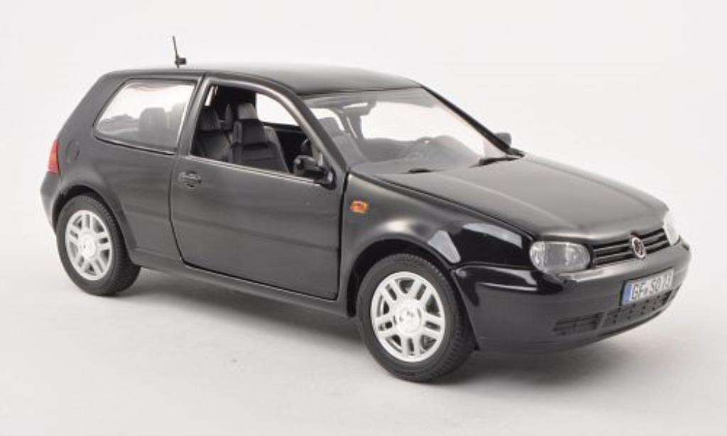 Volkswagen Golf IV 1/18 Revell GTI black 3-Turer 1997 diecast