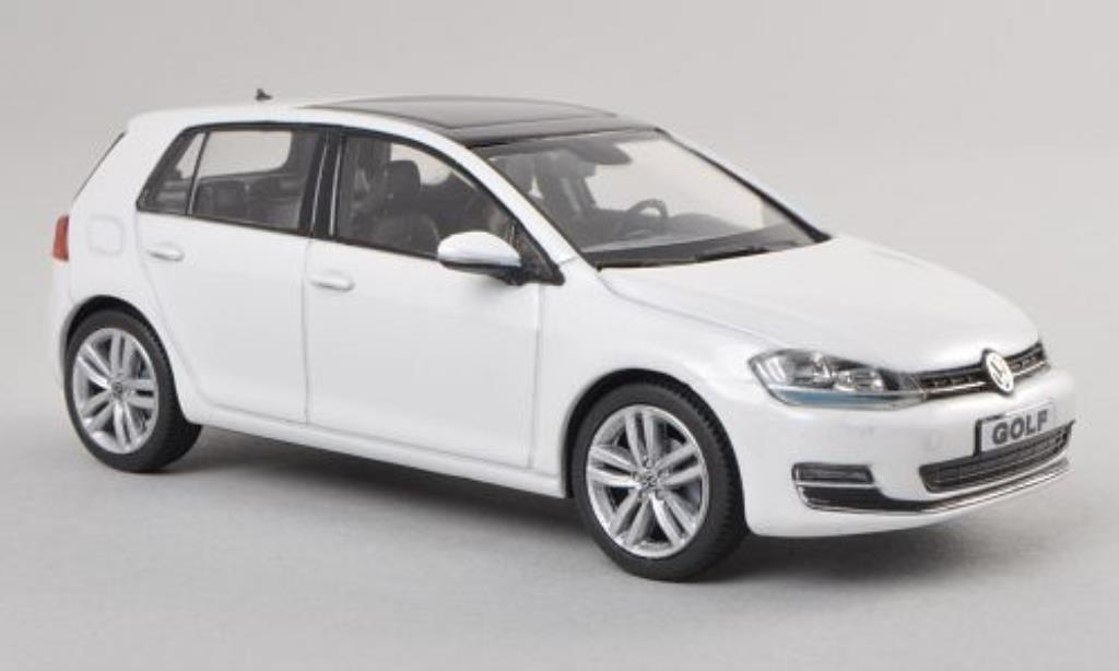 Volkswagen Golf VII 1/43 Herpa white 5-Turer diecast model cars
