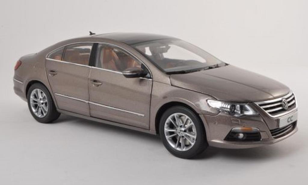 Volkswagen Passat CC 1/18 Paudi beige 2011 miniature