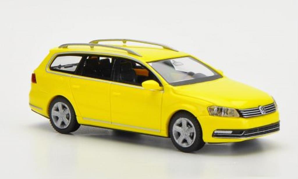 Volkswagen Passat 1/87 Wiking Variant (B7) yellow diecast