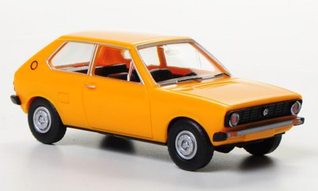Volkswagen Polo 1/87 Wiking I giallo modellino in miniatura