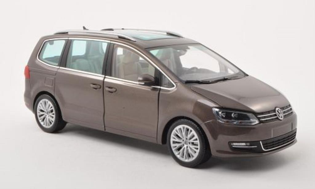 Volkswagen Sharan 1/18 Minichamps II marron 2010 miniature