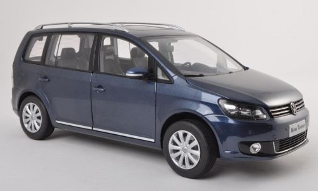 Volkswagen Touran 1/18 Paudi TSI bleu 2011 diecast