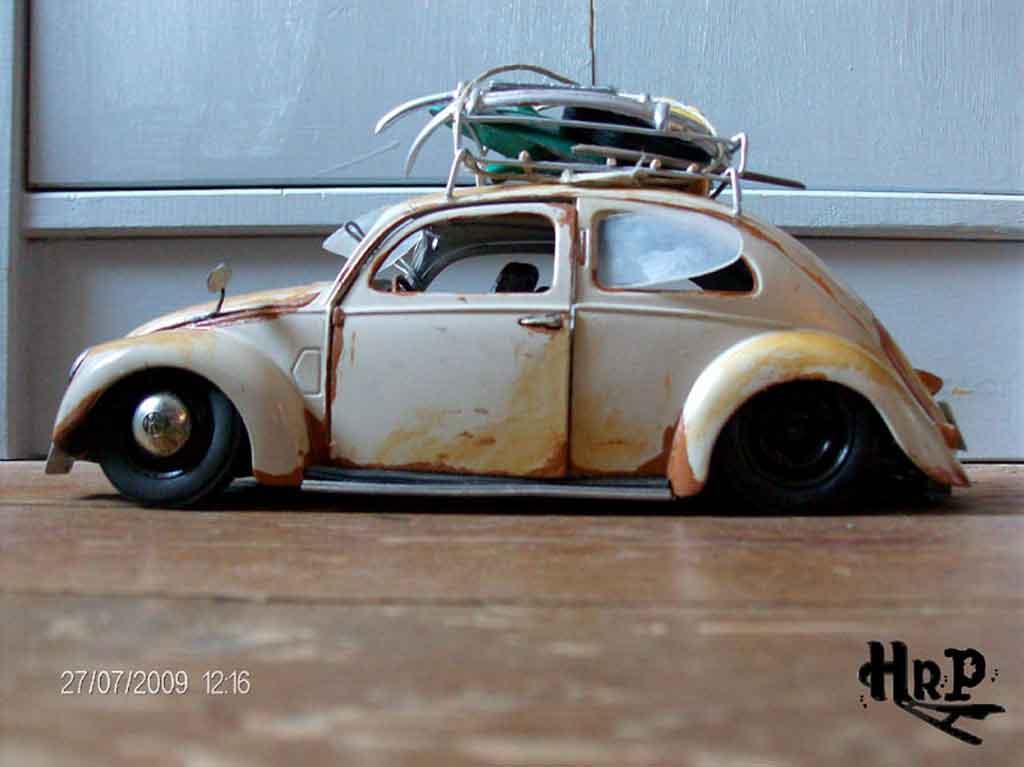 Volkswagen Kafer 1/18 Maisto coccinelle split hoodride miniature