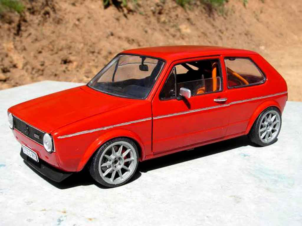 Volkswagen Golf 1 GTI 1/18 Solido preparation piste rallye miniature