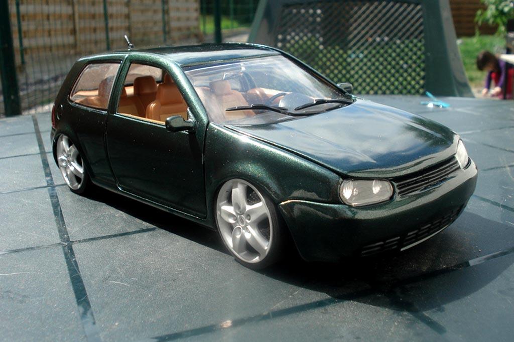 Volkswagen Golf 4 GTI 1/18 Revell grun jantes porsche et lissage carrosserie modellautos