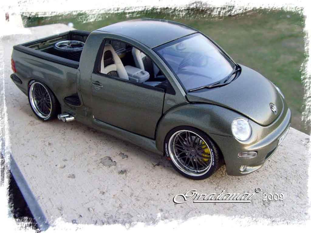 Volkswagen New Beetle 1/18 Burago pick-up miniature