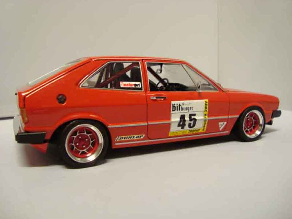 Volkswagen Scirocco GTI 1/18 Revell preparation racing miniature