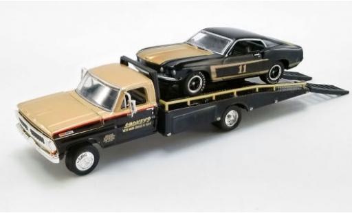 Ford Mustang 1/64 ACME Boss 302 No.11 Smokeys Trans-Am 1969 avec 1970 F-350 Ramp Truck S.Yunick modellautos