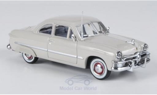 Ford Custom 1/43 American Heritage Models grise 1949 2-Door miniature