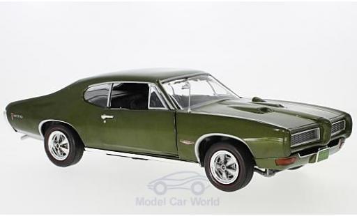 Pontiac GTO 1/18 Auto World Hardtop metallise verte 1968 miniature