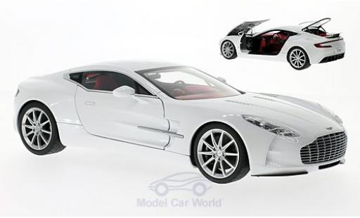 Aston Martin One 1/18 AUTOart ONE-77 metallise blanche 2009 miniature